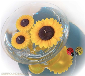 Floating sunflower candle